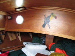Toucan's comfortable cabin has an artistic touch that I liked very much.